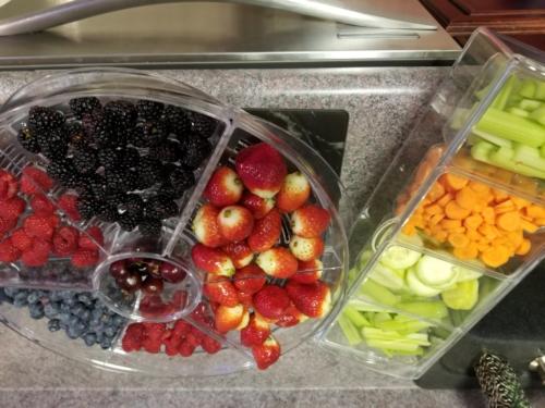 Fresh Fruit and Veggie Trays